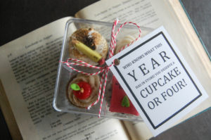 book back to school cupcakes